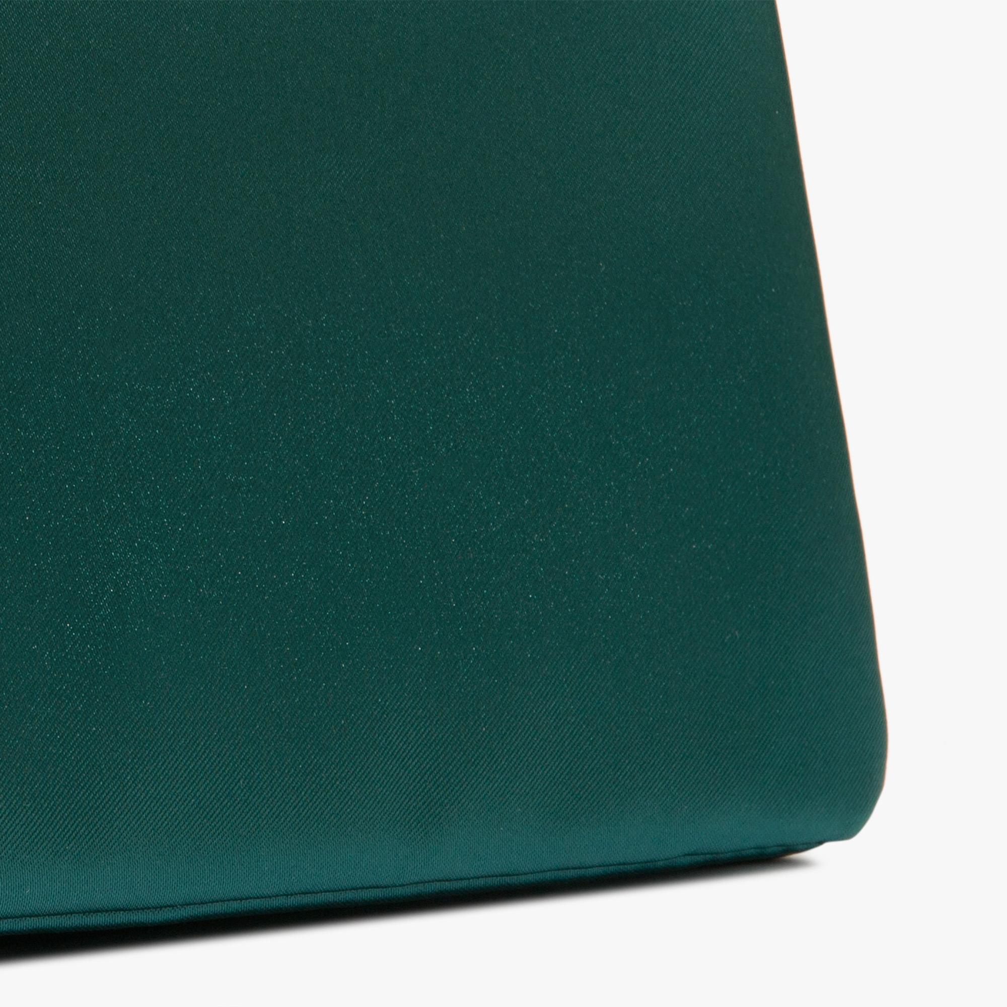 Fabric clutch