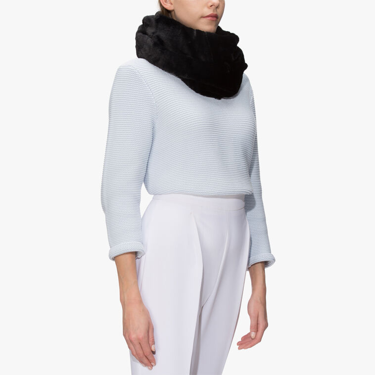 Polyester neck warmer