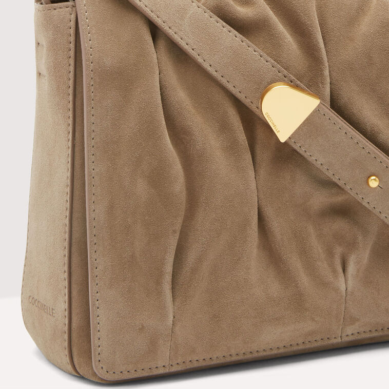 Marquise Goodie Suede 5