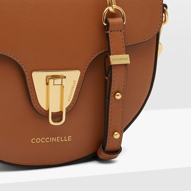 Coccinelle Beat Saddle Mini Smooth Chain 4