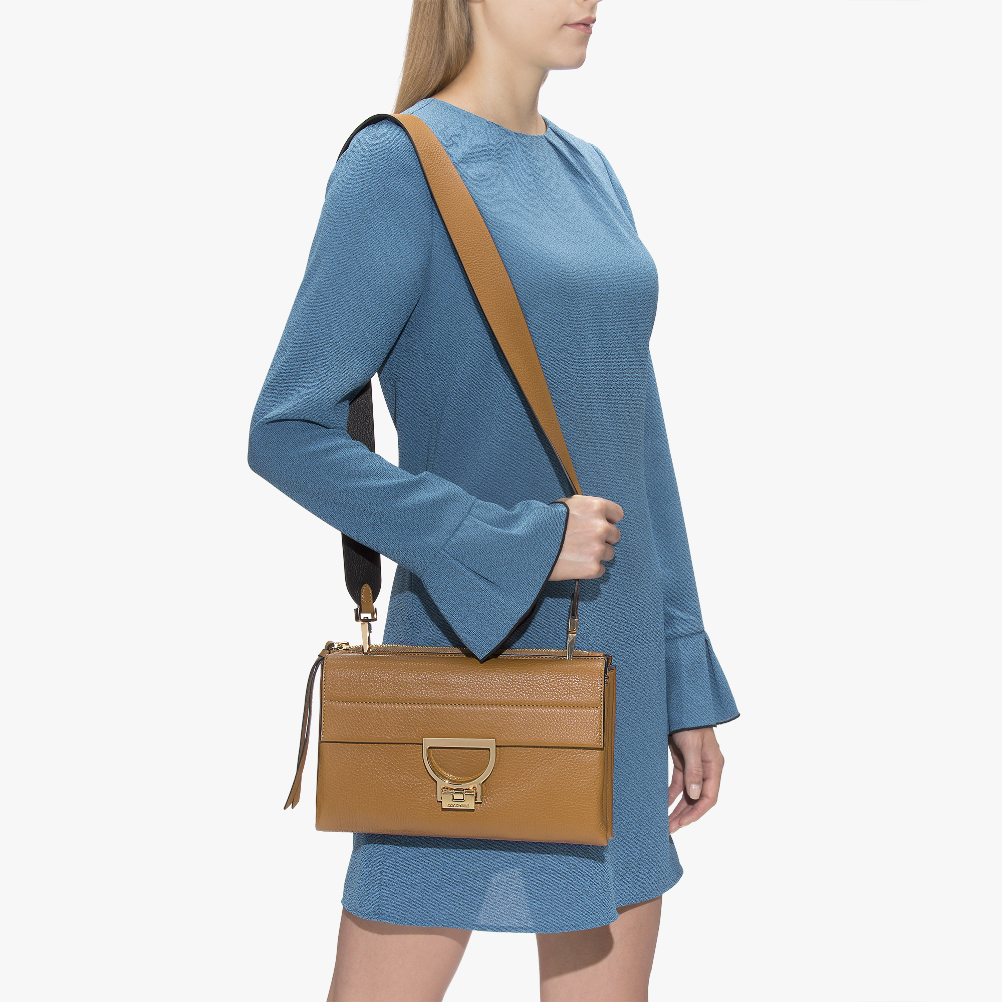 Arlettis leather bag with a single strap